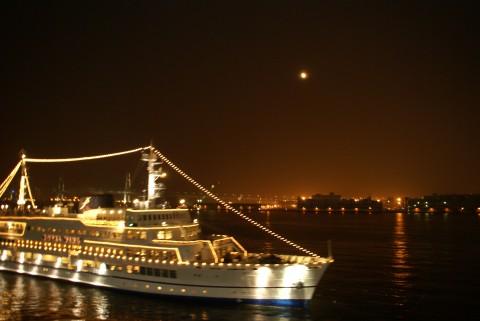 マリーンルージュ号と中秋の名月
