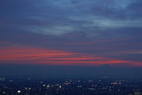月と金星と夕焼け富士山