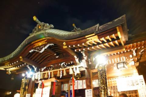大鳥神社に輝く木星
