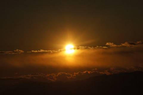 分割された太陽