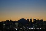 なんともいえない空の色と富士山の競演