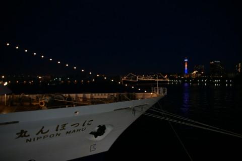 にっぽん丸夜景