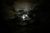 雲の中から満月の登場です