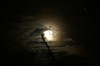 お向かいの家のアンテナの向こうの月と木星