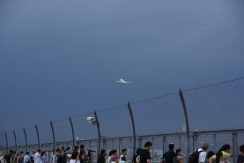 雷雲と羽田空港