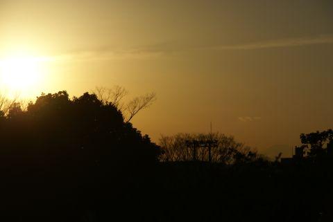 夕日を浴びる富士山