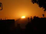 もう少しで山頂に太陽が没します