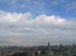 東京湾から登ってきたような虹です